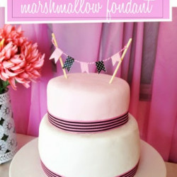 How to make a simple birthday cake with home-made marshmallow fondant!