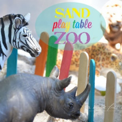 Summer holiday special – Sand play table zoo