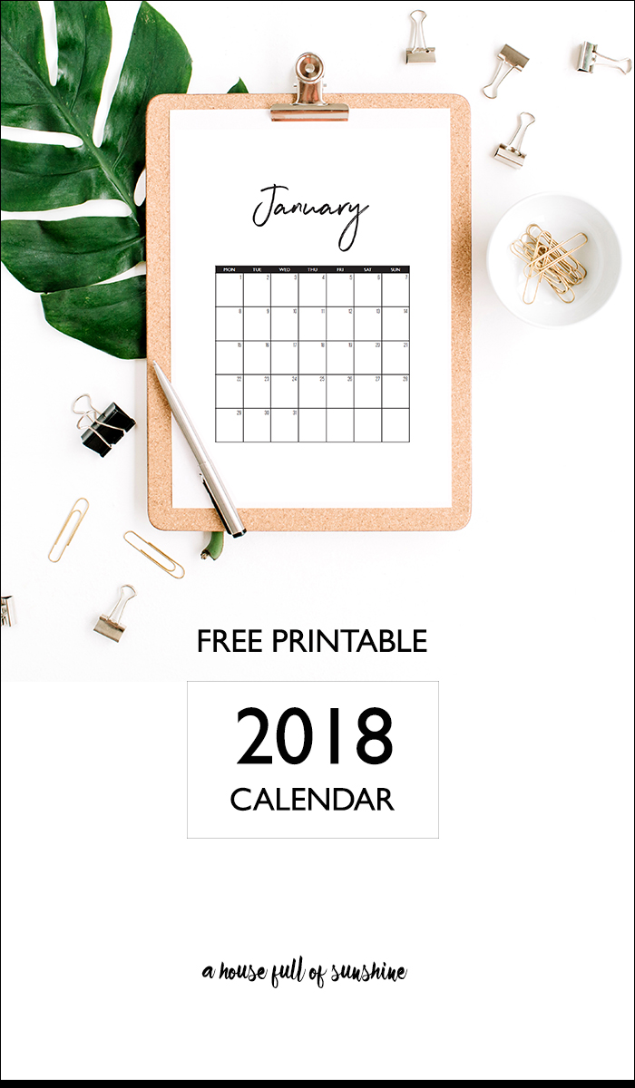 This pretty black and white 2018 calendar has a minimalist handwritten style that will suit any decor. Available for FREE instant download! #printablecalendar #2018 #freeprintable