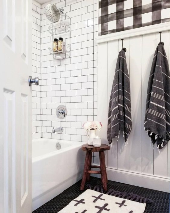 Buffalo Plaid is on trend and I just can't get enough. Click through to see a roundup of my favorite decor images.