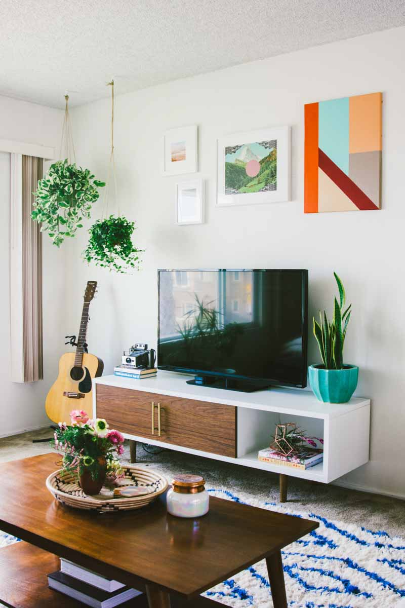 Image of: 40 Ideas For Decorating Around The Tv A House Full Of Sunshine